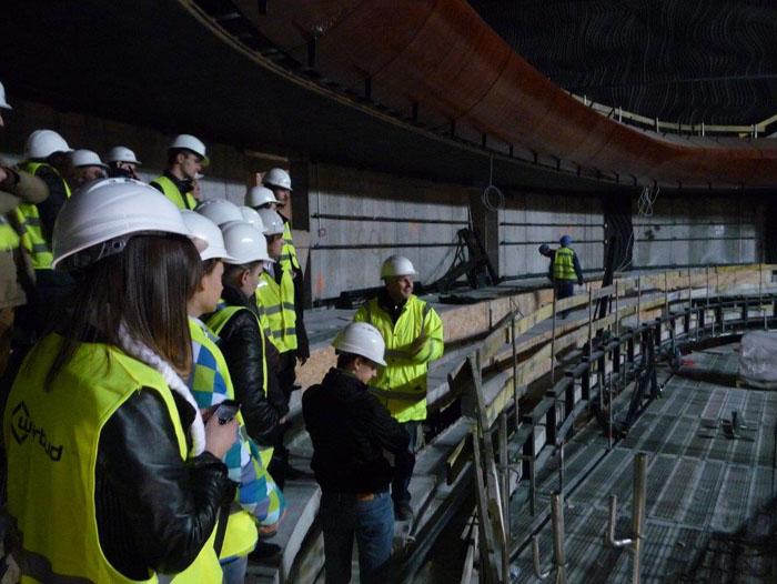 studenci WST na budowie sali koncertowej NOSPR-u