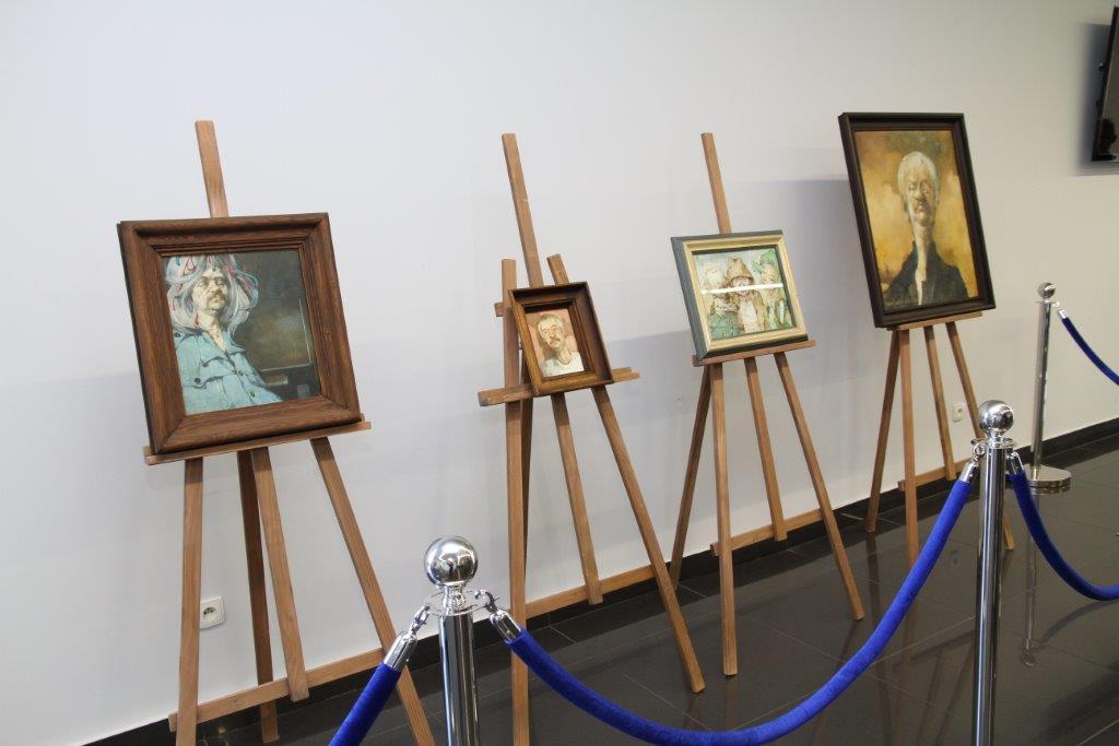 Wystawa obrazów Jerzego Dudy Gracza