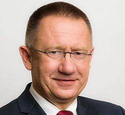 Kanclerz - mgr inż. arch. Arkadiusz Hołda