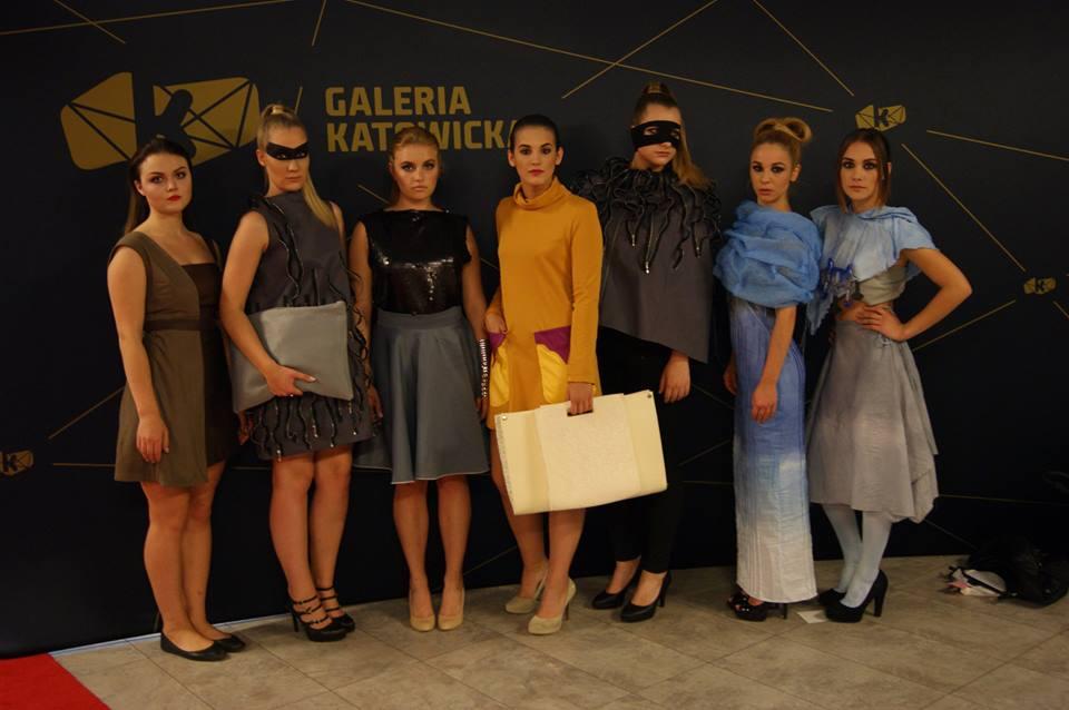 Niecodzienny pokaz mody - Zjawisko